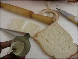 تزیین زیبای نان، پنیر و سبزی