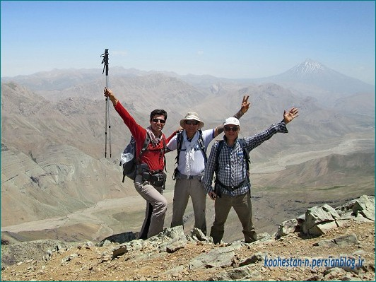 گروه نشاط زندگی - قله آتشکوه