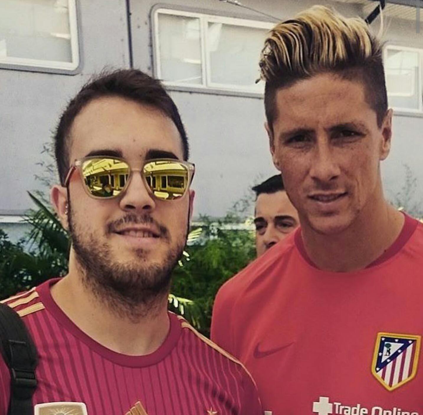 http://s3.picofile.com/file/8201417692/Fernando_9_Torres_Training_Pic_by_F9Tfans_blogsky_com_2_.jpg