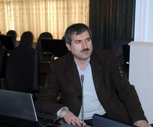 دکتر اکبر عبدی قاضی جهانی در کارگاه آموزشی دهیاران و رؤسای شوراهای اسلامی شهرستان آذرشهر