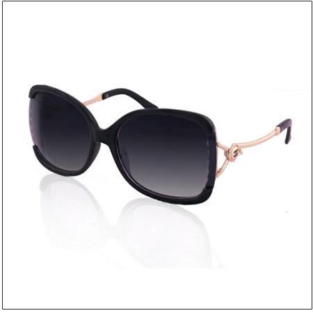 عینک آفتابی زیبا زنانه