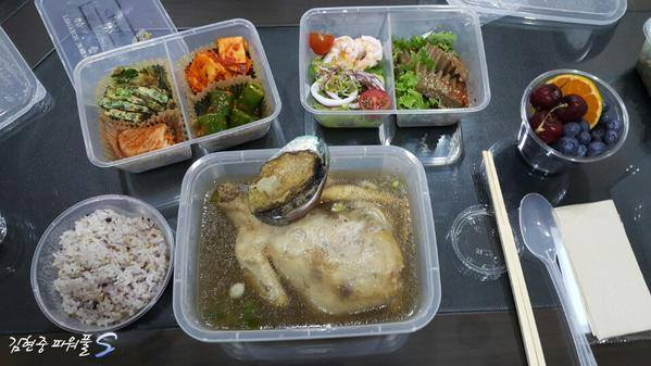 KHJPowerfulS - Food Support to Atty Lee Office - Abalone Chicken Soup