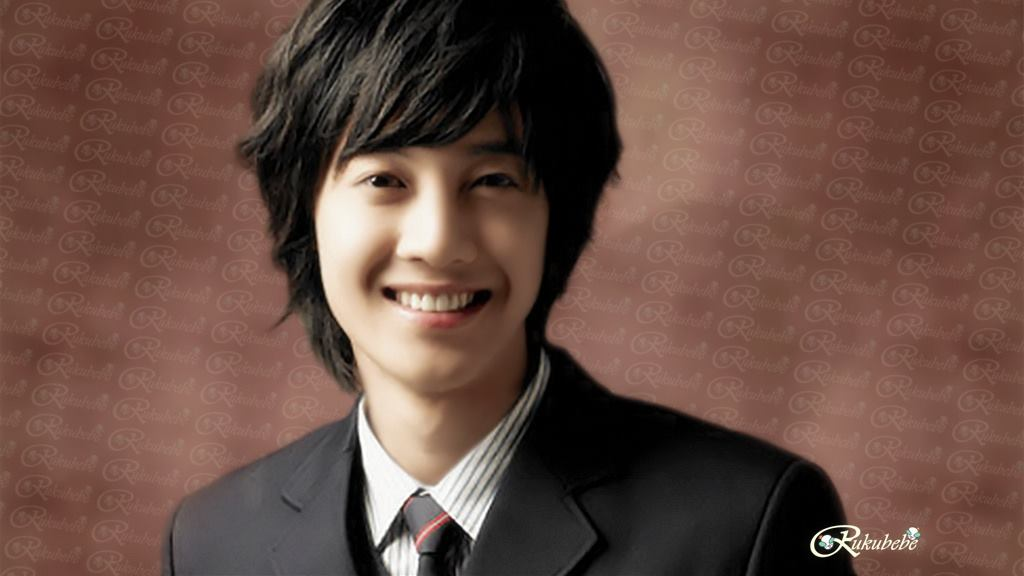 Kim Hyun Joong High School Gradution Day