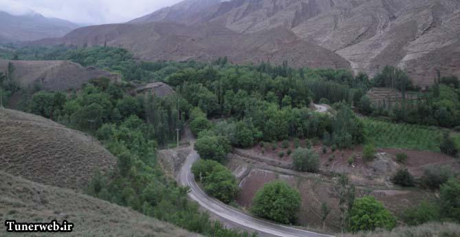 نمایی زیبا از مسیر جاده ی ارتکند در شهرستان زیبای کلات نادر