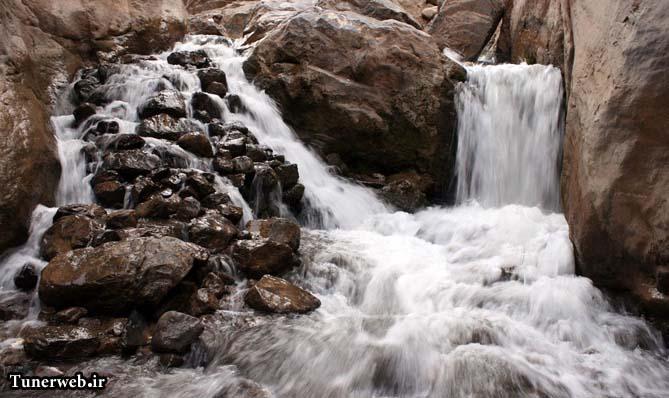 تصاویری از مسیر پیاده روی برای رسیدن به آبشار ارتکند