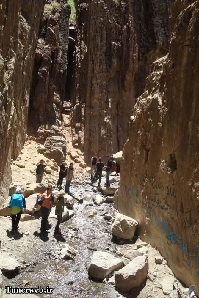 تصویری از صخره های قره سو کلات نادر