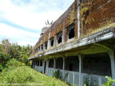 کلیسای جوجه، در قلب جنگلهای اندونزی
