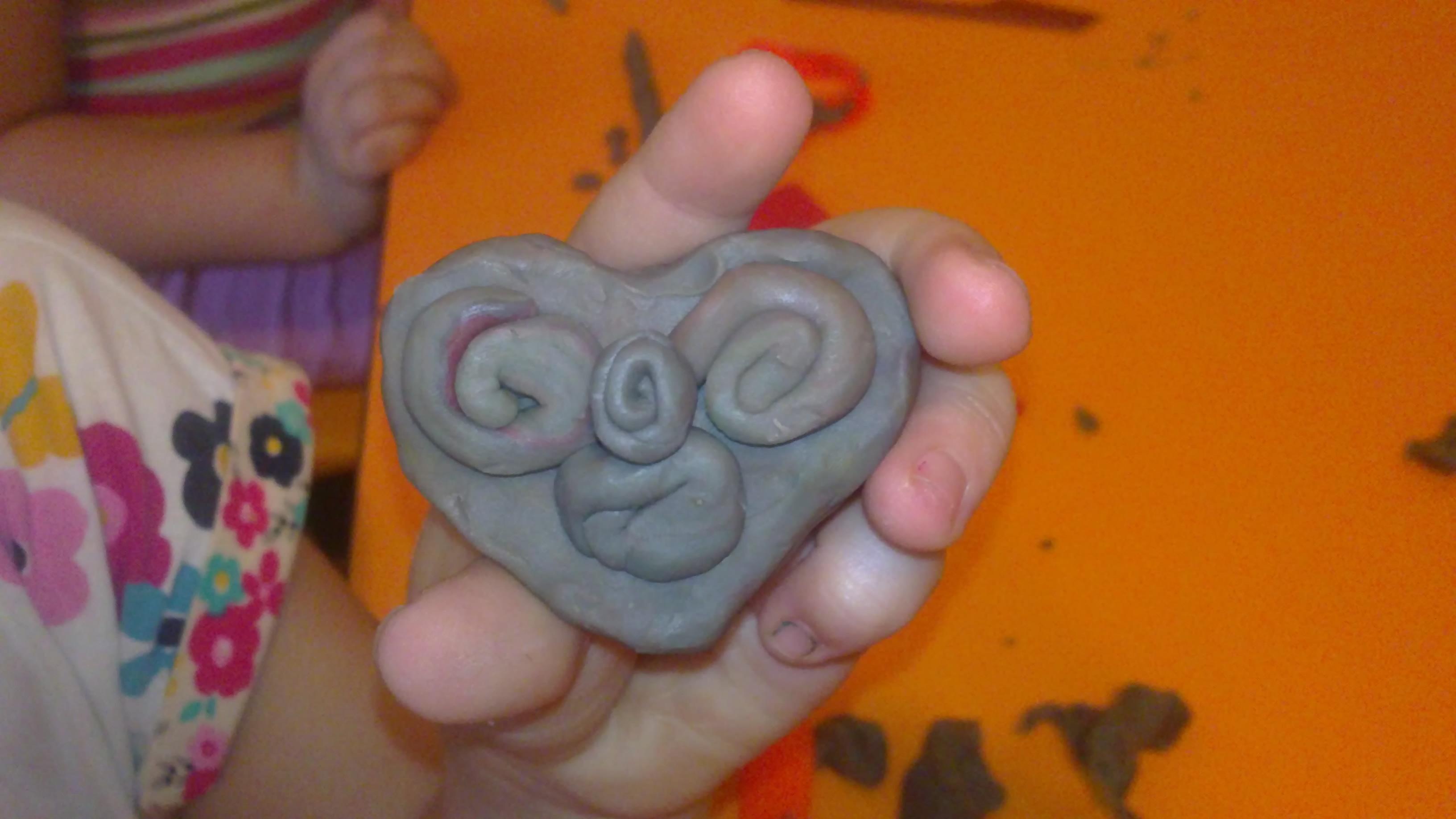کاردستی بچه 5 ساله مهد کودک دو ستاره امید ایران - کاردستیامون