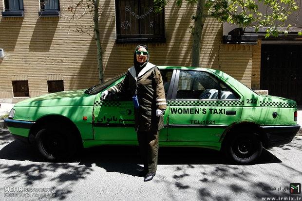 یک بازیگر زن در ایران راننده تاکسی شد