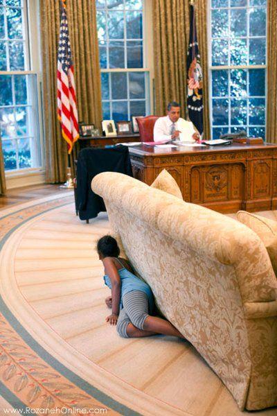 باراک اوباما و فرزندش ر دفتر کارش