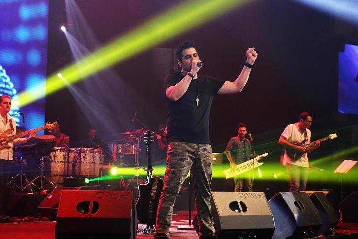 تصاویر متفاوت حمید عسگری کنسرت 28مرداد ماه94 , دنیای موسیقی