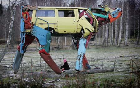 خلاقیت با خودرو فرسوده