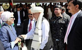 خارجی ها در فساد اداری در افغانستان ذی نفع بوده اند