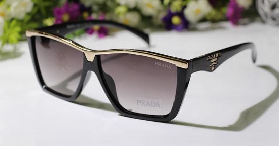 فروش عینک آفتابی پرادا آیز