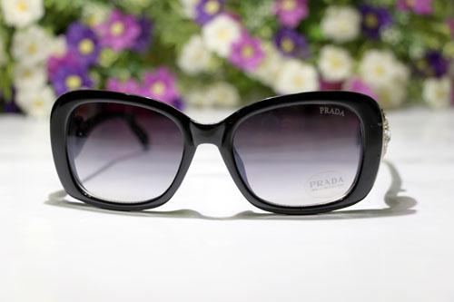 عینک دودی پرادا جدید دور نگین