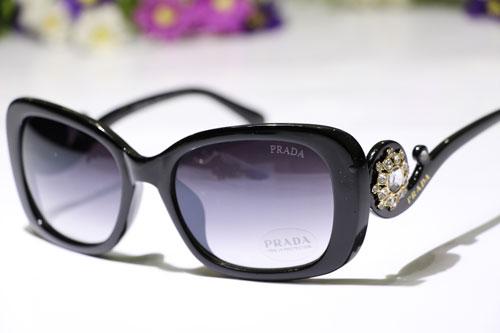 قیمت عینک آفتابی پردا مدل کوئین