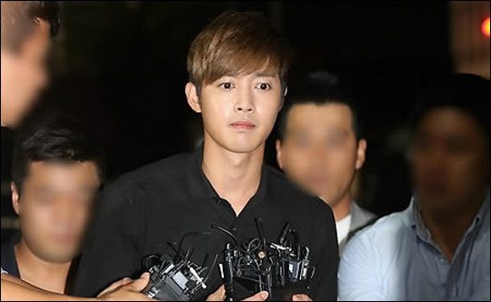 [@sunsun_sky Tweet] Kim Hyun Joong Legal Case + HJ Father and Atty Lee Interview [2015.09.10]