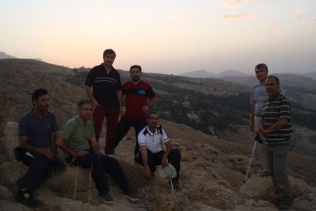 کوهپیمایی صبحگاهی بچه های کوهستان /باباکوهی شیراز/مسیر دیده بان15شهریور 94
