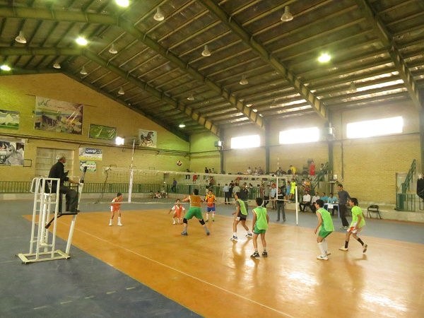 http://s3.picofile.com/file/8212836884/mini_vollyball94_5_.JPG