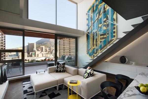 تبدیل فضای باریک، کوچک به یک آپارتمان معاصر در شهر کیپ تاون