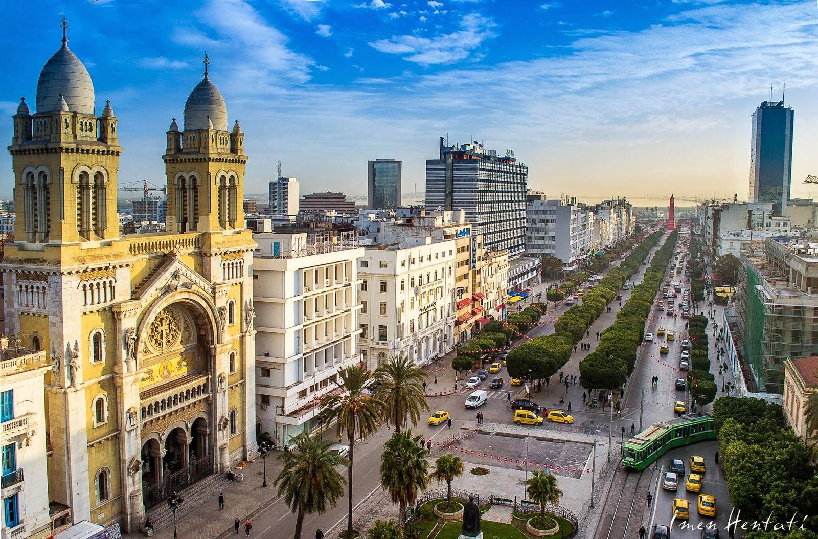 شاهراه مرکزی شهر تونس، و قلب سیاسی و اقتصادی تاریخی کشور است . این خیابان که نام خود را از اولین رئیس جمهور جمهوری ...