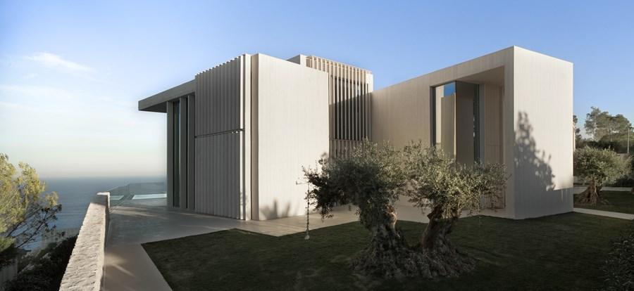 طراحی و دکوراسیون داخلی و ساخت ویلایی در ساردینرا