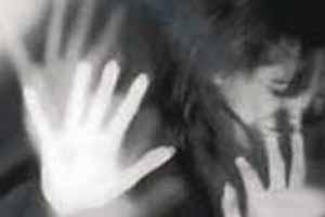 جنجال لباس ضد تجاوز بر تن این دختر جوان , اخبار گوناگون