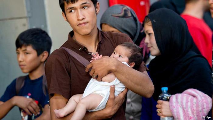 بررسی اخراج پناهجویان افغانستانی از آلمان / متین برکی استاد دانشگاه ماربورگ آلمان