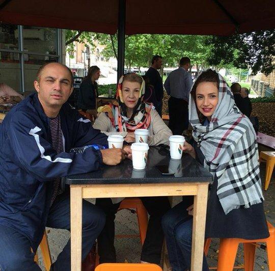 http://s3.picofile.com/file/8222124726/www_bartarpix_ir_shabnamgholikhani_2_.jpg