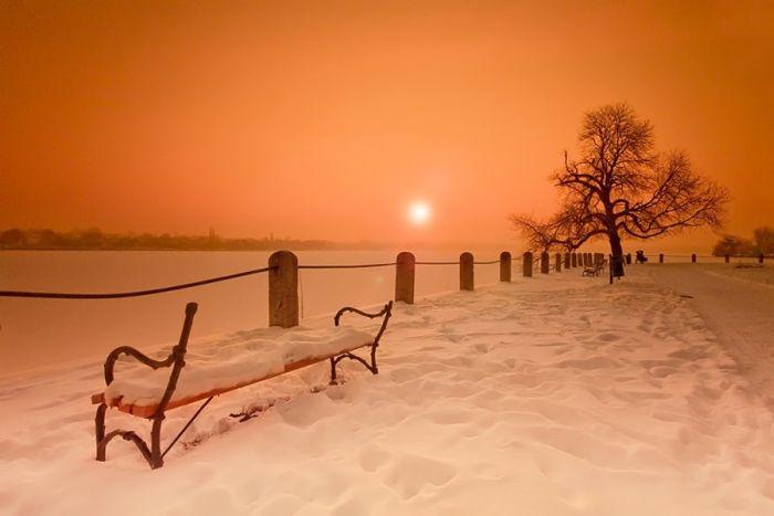 http://s3.picofile.com/file/8222322568/beautiful_nature_02.jpg