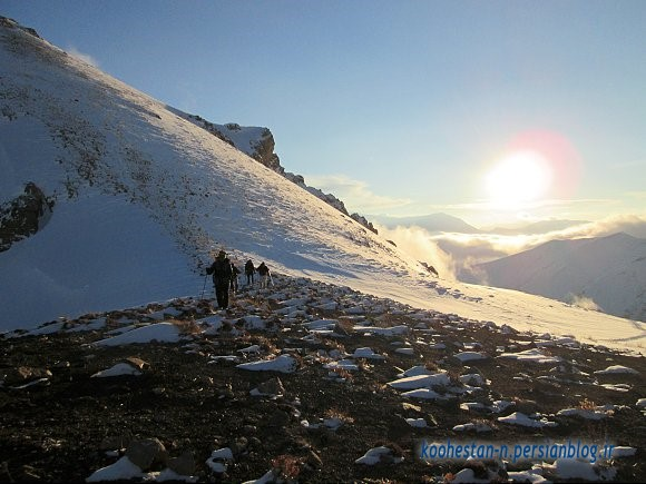 مسیر فرود از قله آهنگرک به سمت هملون