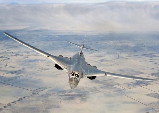 خط و نشان بمبافکنهای روسی برای ناتو در مسیر حمله به داعش