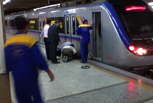 خودکشی وحشتناک پسر 25 ساله در مترو تهرانپارس , حوادث