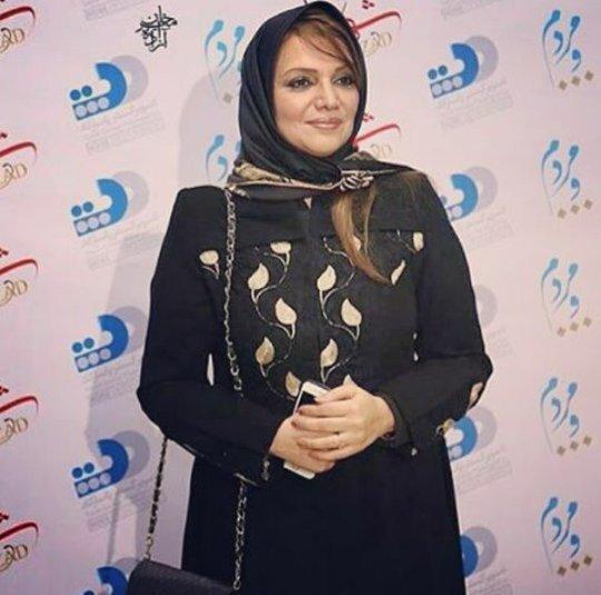 http://s3.picofile.com/file/8224371484/www_bartarpix_ir_elhampavehnejad.jpg