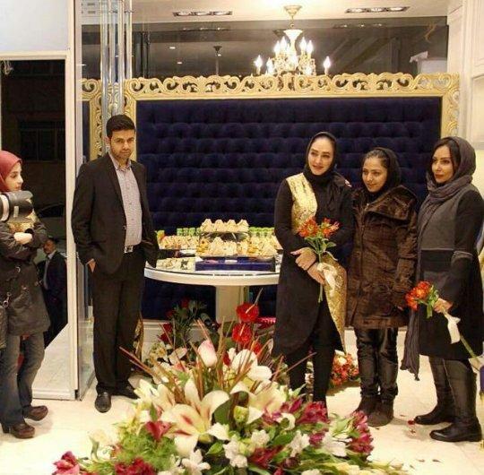 http://s3.picofile.com/file/8224681200/www_bartarpix_ir_elham_hamedi_parastoo_salehi_2_.jpg