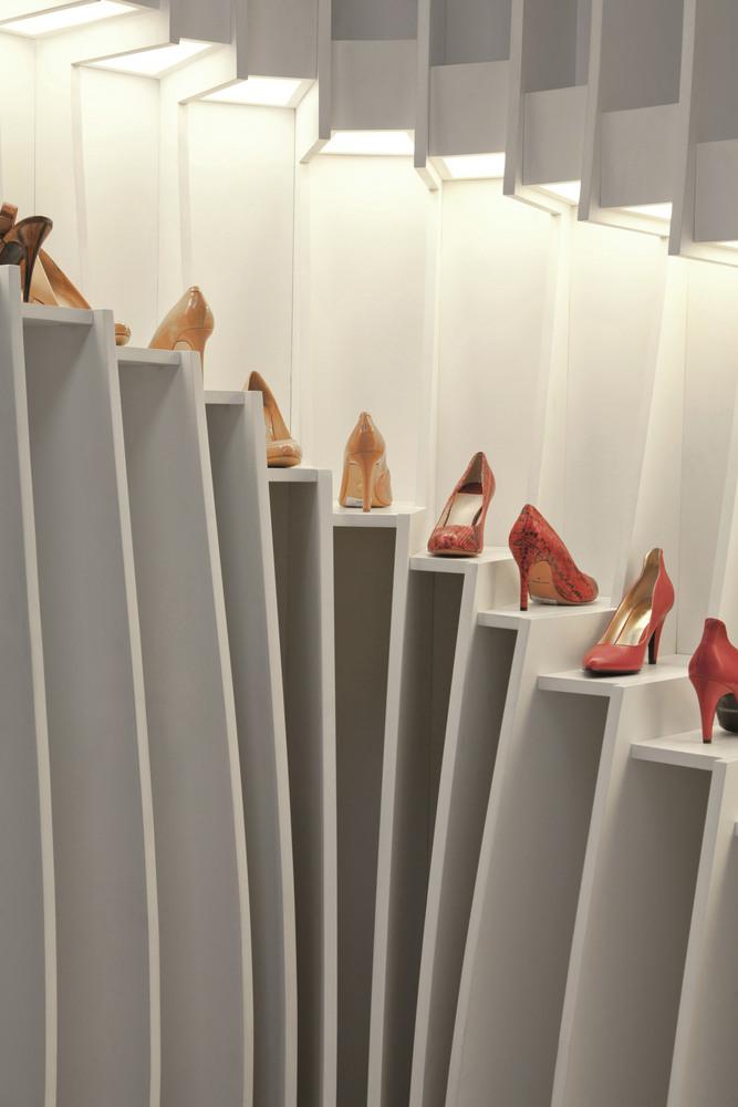 طراحی دکوراسیون فروشگاه مغازه کفش