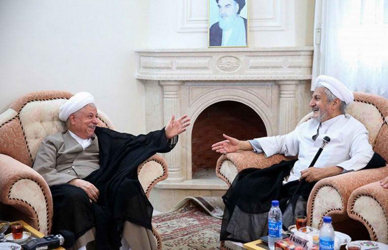 اظهارت عجیب و فتنه انگیز شیخ صانعی در مصاحبه با نشریه آمریکایی