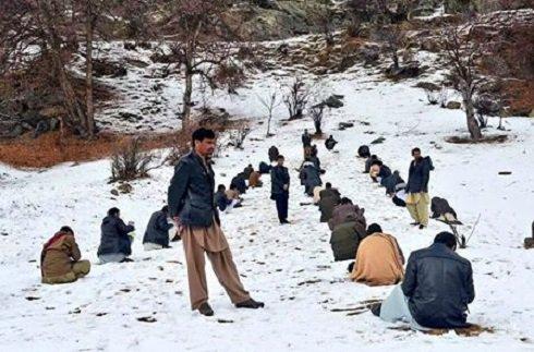 کنکور در افغانستان به شیوه عجیب وغریب !! , تصاویر دیدنی