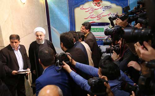 حسن روحانی در انتخابات خبرگان رهبری نام نویسی کرد , اجتماعی