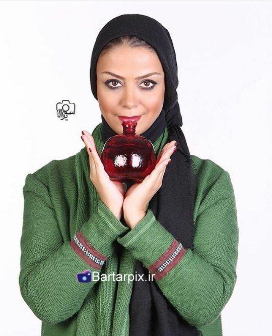 http://s3.picofile.com/file/8229241100/www_bartarpix_ir_sab_yalda_94_6_.jpg