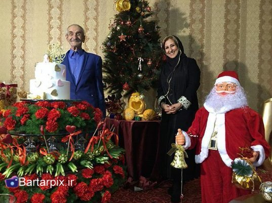 http://s3.picofile.com/file/8229242184/www_bartarpix_ir_sab_yalda_94_19_.jpg