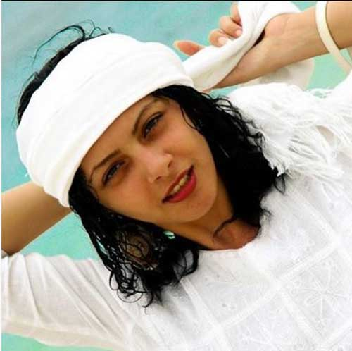 چکامه چمن ماه موی سرش را تراشید , اخبار سینما