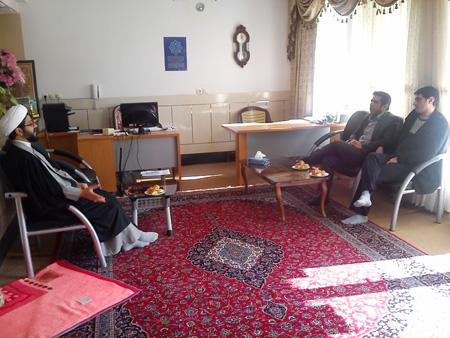 دیدار رئیس اتوبوسرانی فلاورجان با امام جمعه قهدریجان