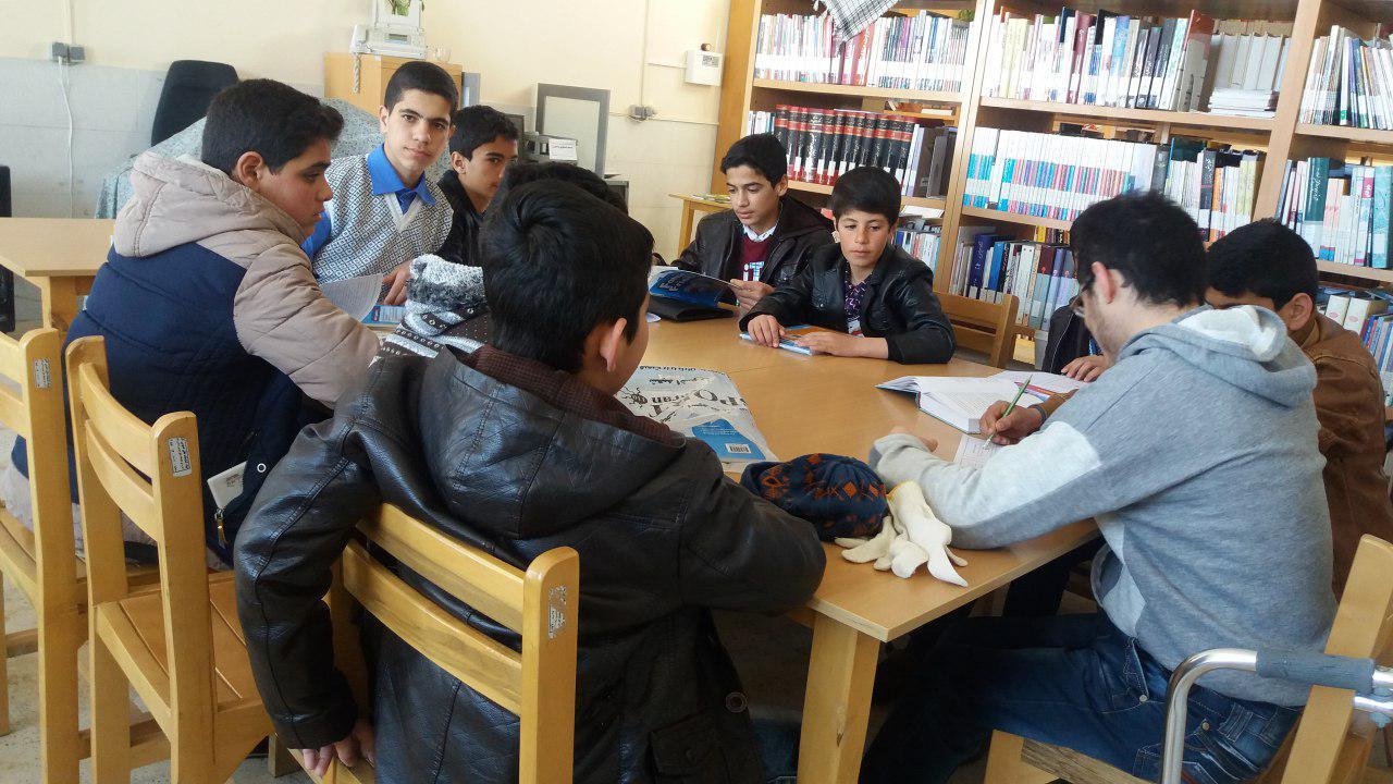 آموزش زبان انگلیسی در کتابخانه عمومی الغدیر