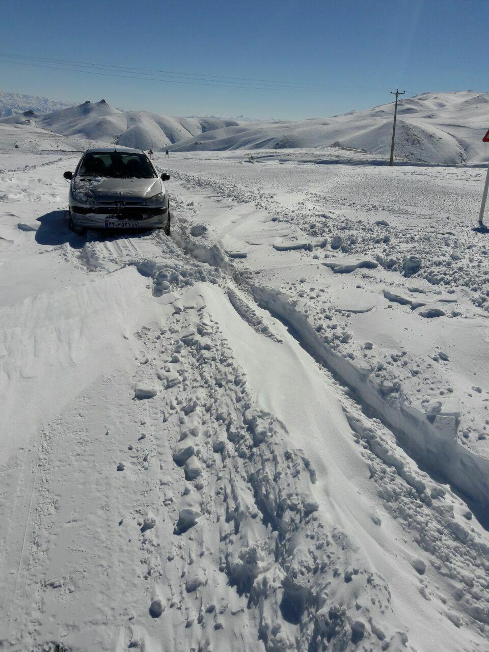بارش برف در دوراهی روستای المالو