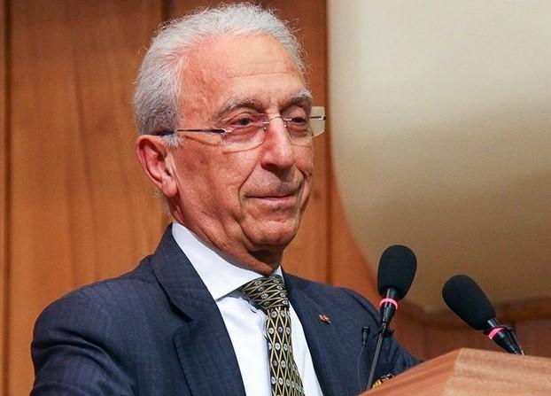نگاهی به زندگی و سوابق پروفسور مجید سمیعی