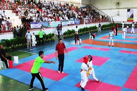 مسابقات کاراته جام خزر در آستارا پایان یافت