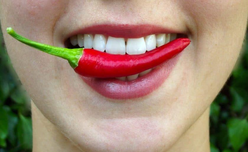 آیا غذاهای تند برای خوانندگی مضر هستند؟