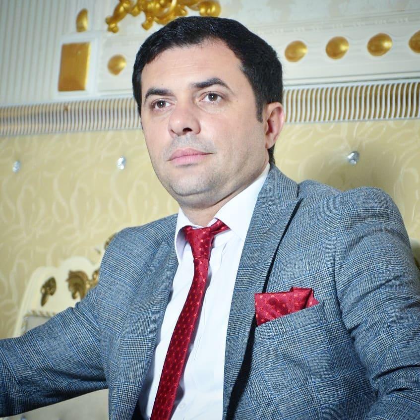 http://s3.picofile.com/file/8371024084/28Revan_Qarayev_Caresiz_Adam.jpg